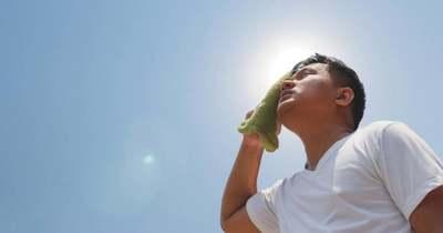 Szombattól hőségriasztás lép életbe, Szombathelyen így kerülheti el a hőgutát