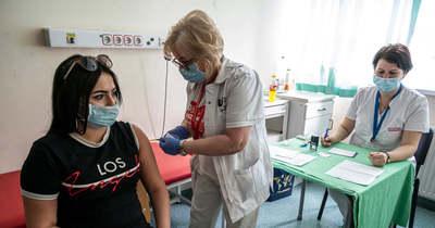 Aki nem jogosult, az ne foglaljon! – A 12–15 éves korosztály számára szervezett védőoltásról tájékoztat a Markusovszky-kórház