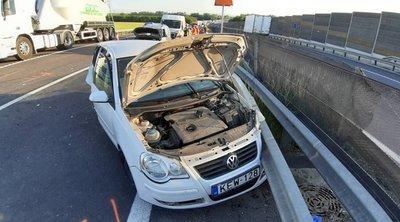 Elesett az M2-es is, brutális baleset miatt áll a forgalom: négy autó ütközött össze - Fotók