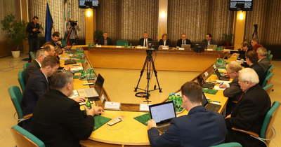 Rendkívüli közgyűlést szorgalmaz a Fidesz-KDNP frakciója és két képviselő Tatabányán