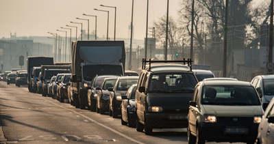 Durva balesetek, két autópályán is tovább tart eljutni a célig