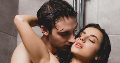 Kánikulában ennél jobb nincs: csodás gyönyört hoz a zuhanyszex