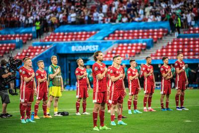 A magyarok abszolút többsége elutasítja a térdelést az Eb-meccsek kezdetén