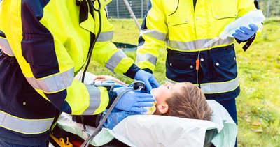 Drámai pillanatok: hős anyuka segített a vérző fejű 5 éves kisfiúnak Budapesten