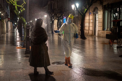 Az első hullám óta nem haltak meg annyian koronavírusban Spanyolországban, mint most