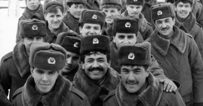 Fotókon az utolsó szovjet katonák kivonulása Szegedről, annó 1991
