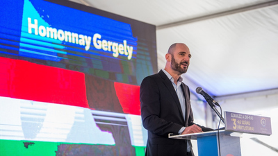 Homonnay Gergely (Facebook): Hajrá franciák!