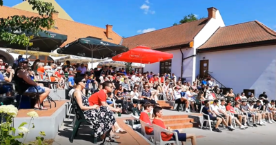Így drukkoltak Jászberényben és Szolnokon a magyar válogatottnak