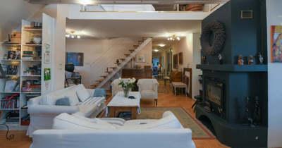 """A hét ingatlana: egy """"beleszeretős"""", tetőtéri nagy lakás Kecskeméten!"""