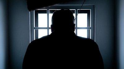 Horror: sikoltozó barátnője előtt fojtotta meg ismerősét a bekattant nógrádi kukkoló