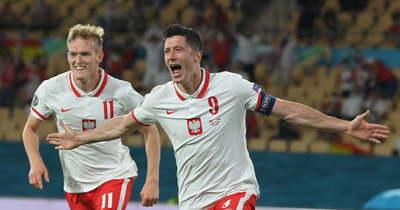 Bajban a spanyolok, Lewandowski gólja lengyel pontot ért