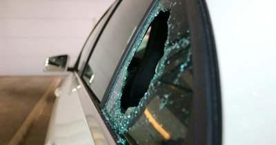 Ismét autót rongáltak Fehérváron – Betört ablak várt a tulajdonosra a Móricz Zsigmond utcában