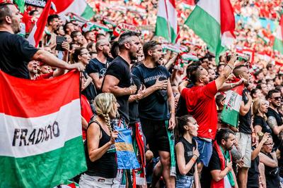 Az UEFA vizsgálatot indított a magyar szurkolók viselkedése miatt