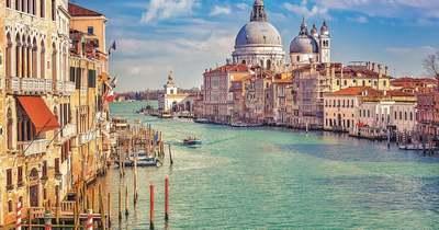 """Jubileum és evezősverseny a """"víz városában"""""""