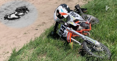 Családi dráma: megátkozhatták a monori motocross pályán balesetet szenvedő 9 éves kisfiút