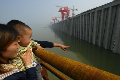 Annyira felpörgött a kínai termelés, hogy van, ahol kevés az áram a gyárak működéséhez