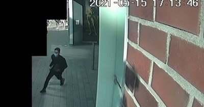 Egy szegedi áruházból lopott laptopot – keresi a rendőrség