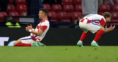 Modric világklasszis gólt lőtt, Horvátország a 16 között
