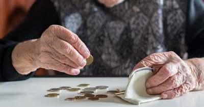 Megélhetési gondjaik támadtak, mivel visszautalták a balatonfűzfői idősek nyugdíját