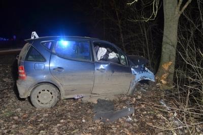 Meghalt egy gyerek Békésben, mert a kocsiban leejtette a mobilját, a sofőr meg fel akarta venni