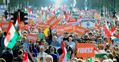 Növelte előnyét a Fidesz–KDNP a szivárványkoalícióval szemben