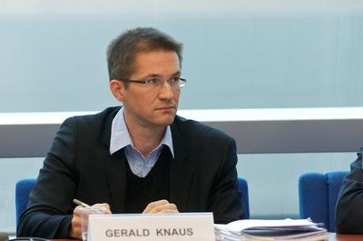Megint a Soros-intézet vezetője irányitja a magyarellenes provokációt