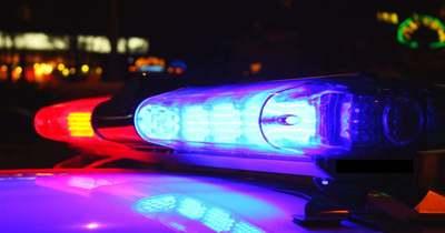 Árokba csúszott egy személyautó a 4-es főúton, Kisújszállásnál