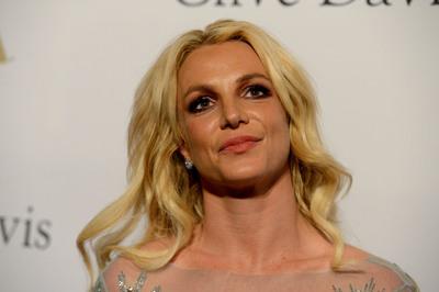Britney Spearsnek elege van az apjából, aki teherbe esni sem engedi