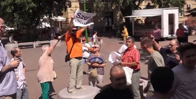 Folyamatosan tiltakoznak a Gyurcsány-show állomásain - videó