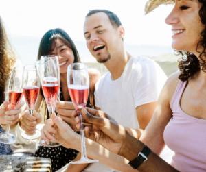 Pezsgőfogyókúra: íme a nyár legélvezetesebb diétája
