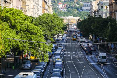 Teljesen összeomlott a budapesti közlekedés Karácsony Gergely lezárásai miatt