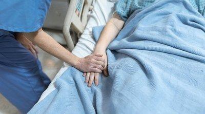 Orvos rántotta le a leplet a szörnyű valóságról: Ezért könyörögnek neki haldokló betegei – 18+