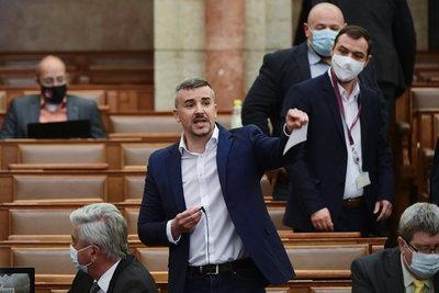 Jakab Péter Gyurcsány Ferenc után a nemzetközi LMBTQ-lobbinak is behódolhat