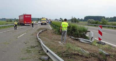 Balesetek nehezítik a közlekedést az M6-os autópályán