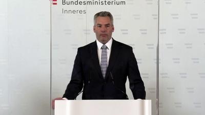 Katonákat vezényel a határra az osztrák belügyminiszter