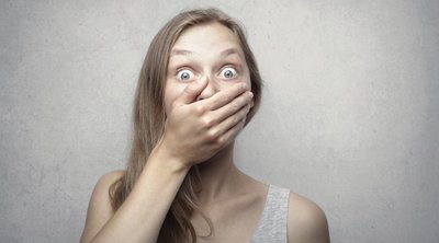 Sokkot kapott a fiatal nő: Kínos üzenetet hagyott neki szomszédja a fürdőszobájával kapcsolatban