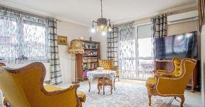 A hét ingatlana: egy izgalmas sorházi lakás, sok-sok fotellel!