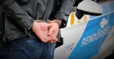 8 balesethez vonultak, 28 embert fogtak el a rendőrök Komárom-Esztergomban
