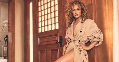 Brutális villantással ünnepelt Jennifer Lopez egy jachton, Ben Affleck is ott volt – Videó!