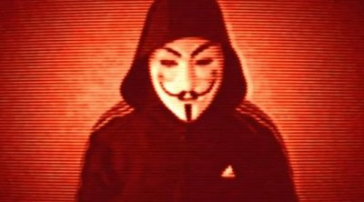 """""""Van még ott, ahonnan ez jött!"""" –Újabb részleteket árult el az Anonymous-álarcos alak – videó"""