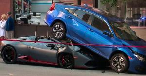 Rejtély megoldva: így került a Honda Civic alá egy Lamborghini Huracán! – KÉP