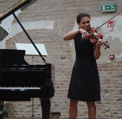 Kossuth-díjas zongoraművésszel zenélt együtt Varga Judit - videó