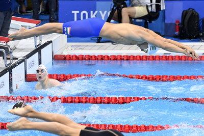 Nézze meg a 4x100-as gyorsváltó fantasztikus úszását!