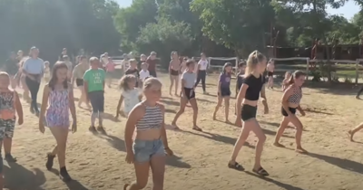 Az örményesi lovasklub tagjai is táncoltak