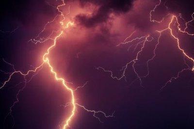 Jönnek a viharok! Nem elég a külső villámhárító, így tudsz ellene hatékonyan védekezni