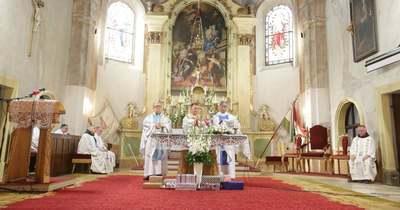 Böjte Csaba mondott szentbeszédet Bálint atya ezüstmiséjén