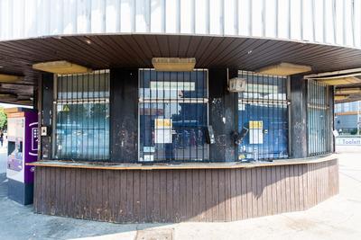 Eszetlen döntés, több mint 20 jegypénztárost bocsátott el a BKK