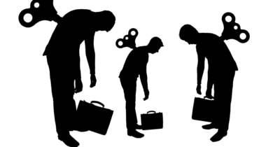 Túlterheltek és kiégettek a munkavállalók