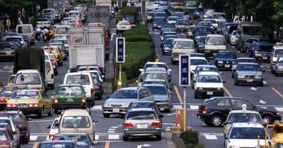 Közelít a tájfun Tokióhoz, de a káosz már itt van