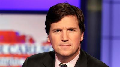 Magyarországra jön Tucker Carlson, a Fox News sztárújságírója